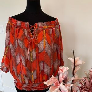 Guess off the shoulder top size Large
